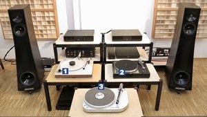 Workshop STEREO 1/21 - Drei Plattenspieler auf Time Tables mit Traumanlage